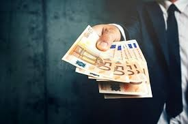 Verschiedene Möglichkeiten von finanzieller Unterstützung